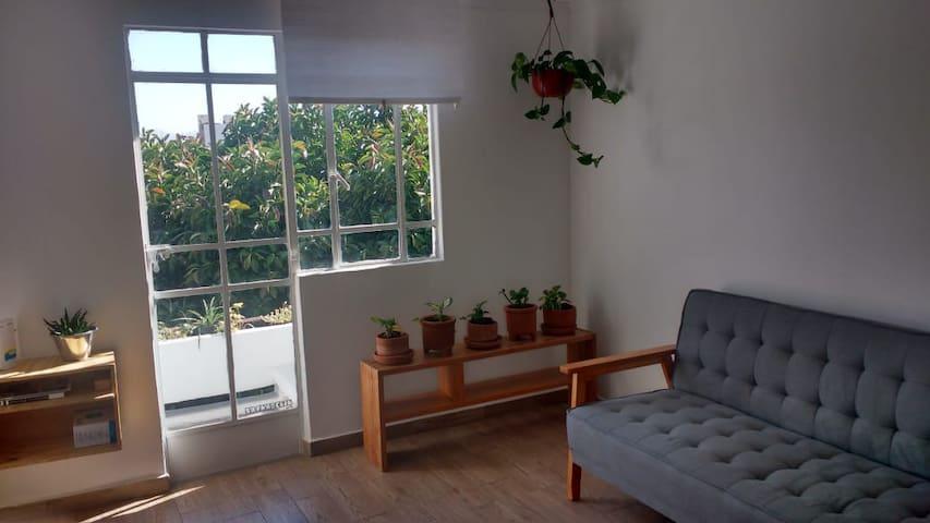 Depa soleado, bonito y bien ubicado