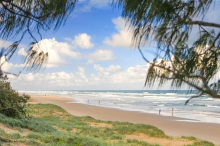 Peregian Beach Pet Friendly Self Contained Flat - Peregian Beach