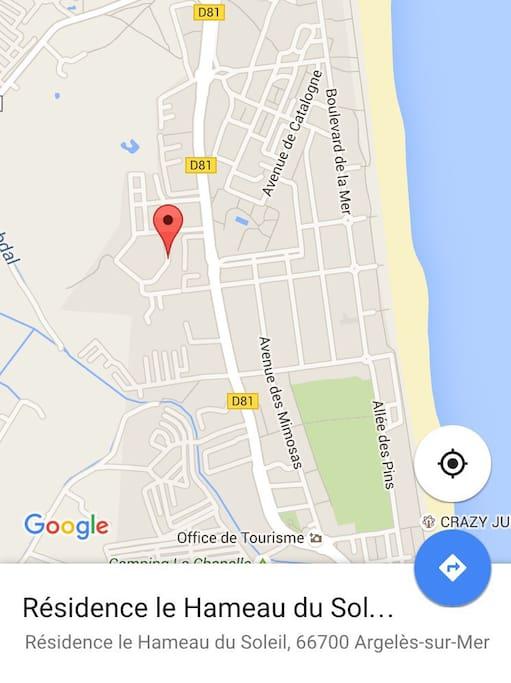 Idéalement situé. À 5 minutes à pied des plus belles plages d'Argelès. 5 minutes à pied du centre ville et de toutes les activités. Tous commerces à proximité à pied. Résidence très calme