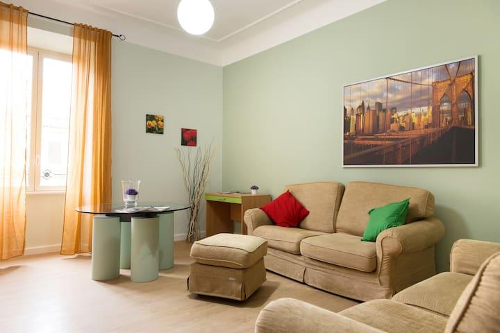 Beautiful apartment in San Giovanni close Colosseo