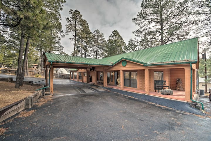 NEW! Unique Ruidoso Family Retreat in the Pines!
