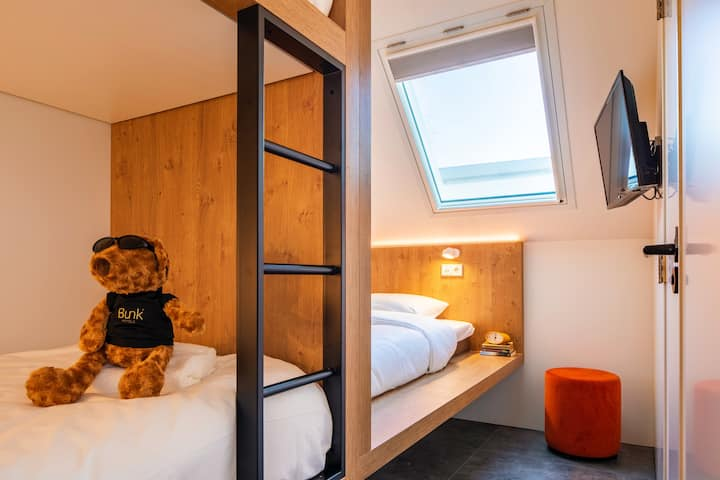 STAY FAMILIAR IN OUR BUNK ROOM FOR 4 WITH EN-SUITE