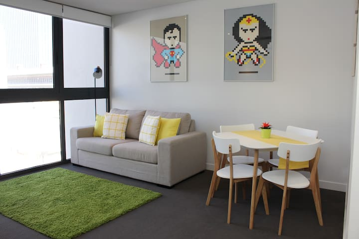 Modern CBD Apartment with FREE Parking & WiFi - Perth - Flat