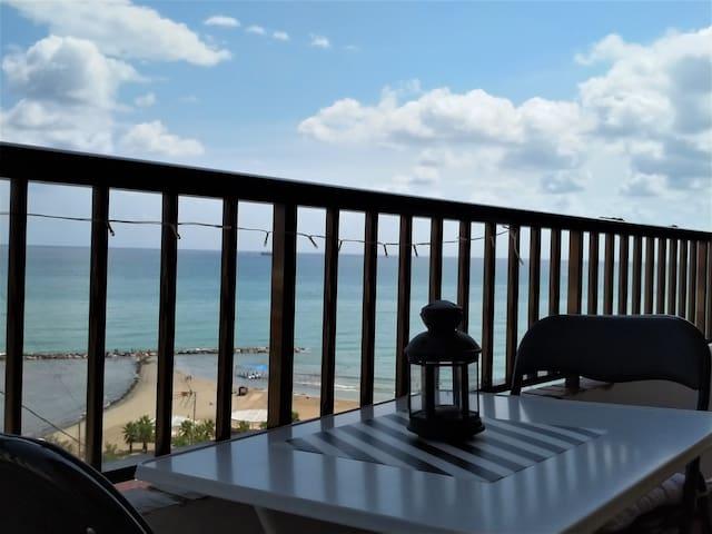 Live where you love... in Alicante's Beach.