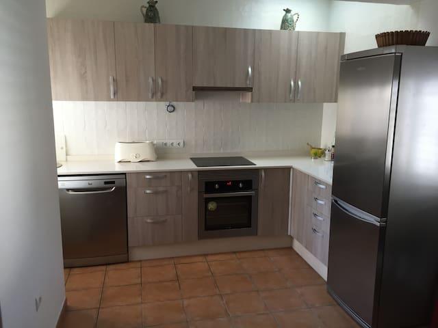 Casa en alquiler a 3 km del centro de Ibiza - Creus des Magres - Talo