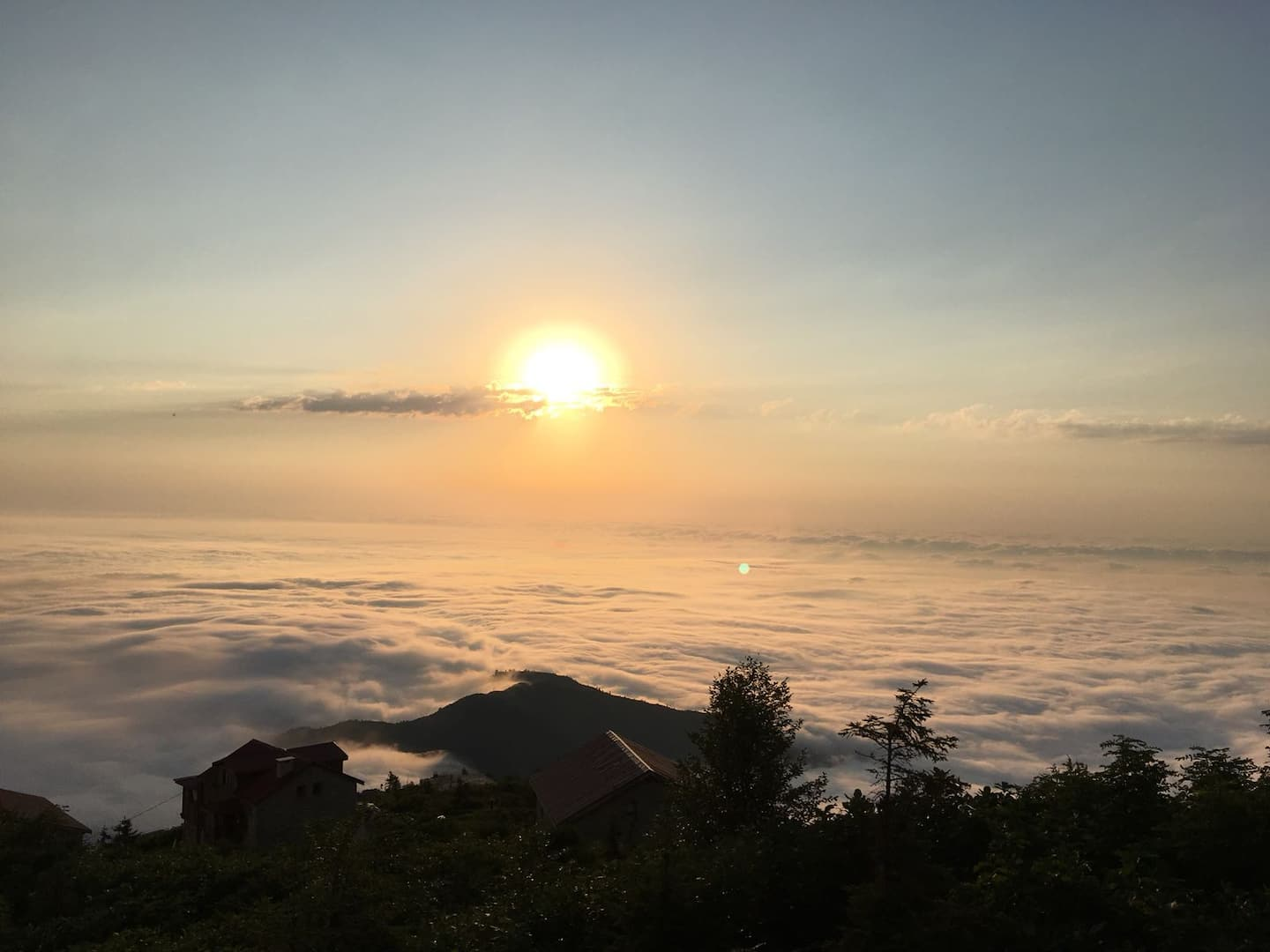 AirBnB in Turkey, Rize: On top of the world, and 'above the clouds' views!