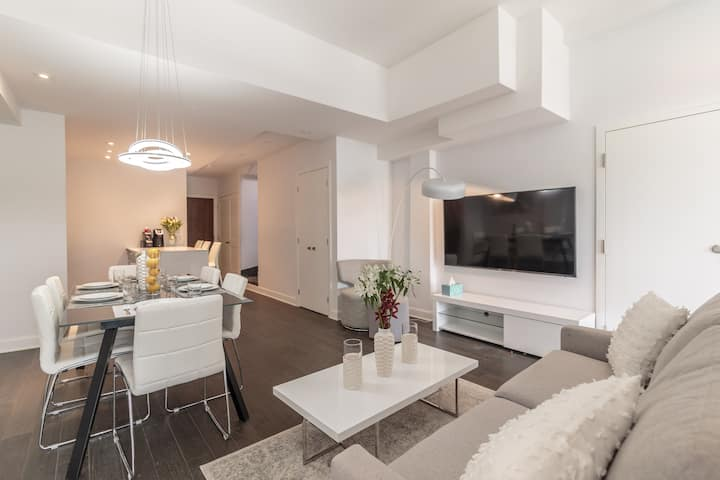 Brand New! Mile End Two-Storey Penthouse Hot Tub 5