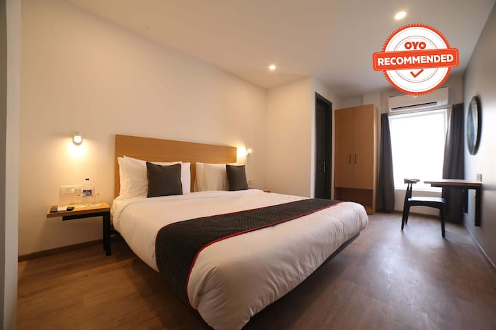 OYO 1 BR Pleasant Stay Near Azadpur Metro Station