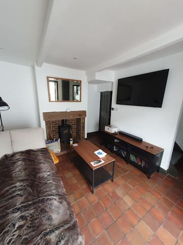 1 Bedroom Central House