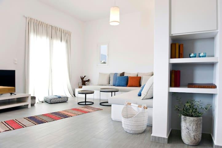 Milis Guesthouses - Adamas - Haus