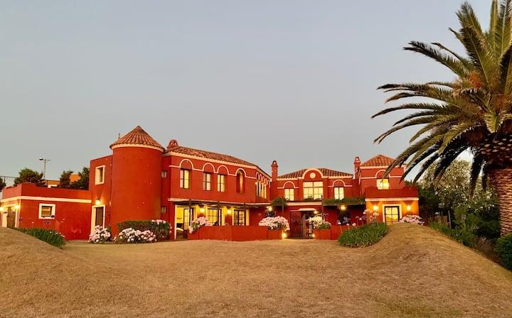 Casa 6 dormitorios a 80 metros de Playa Montoya