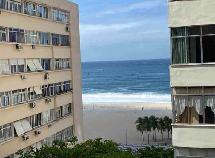 Apartamento c/vista para o mar no Leme