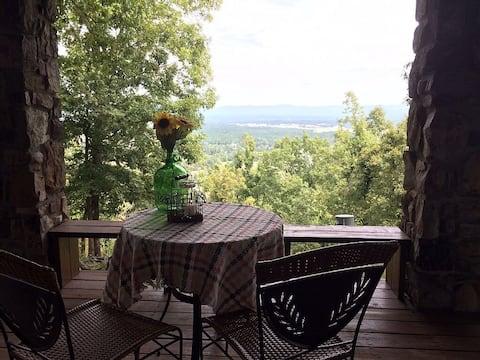 Relaxing Mountaintop Retreat w/Spectacular Views