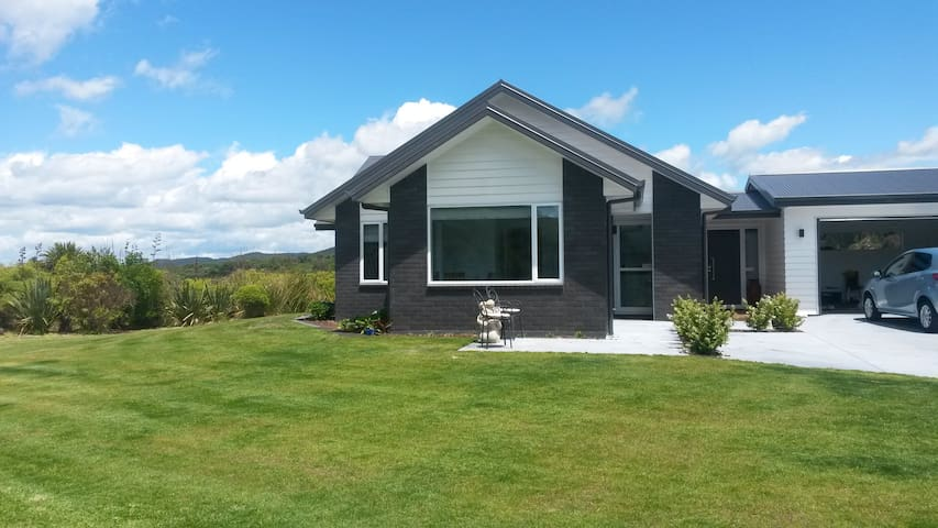 Privacy and Nature at Kinloch, Taupo - Kinloch - Flat