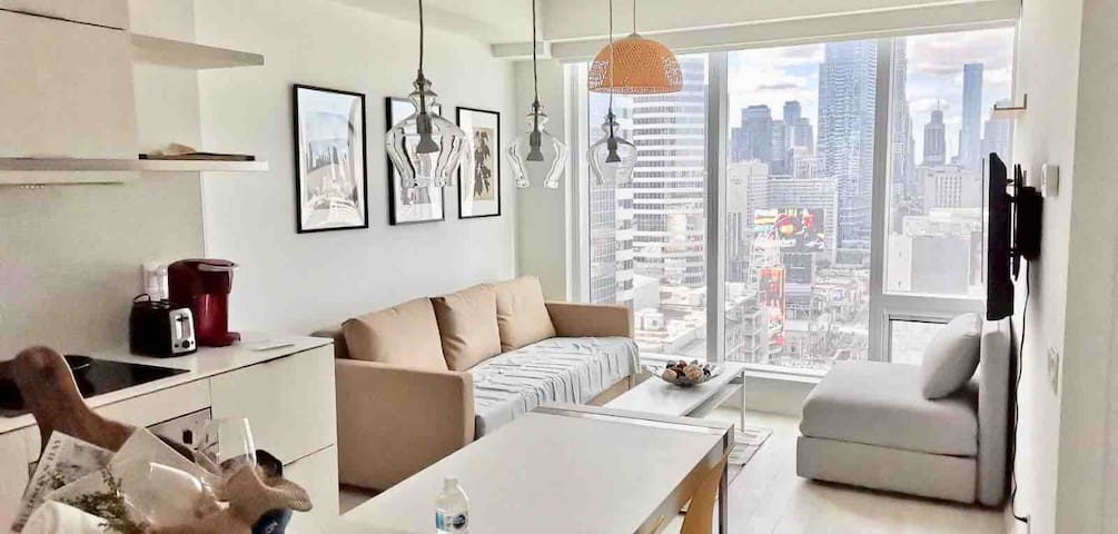 Newly 1bedroom Condo @Queen W Subway/Eaton Center
