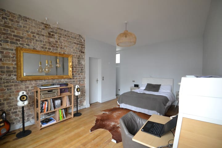 Charming and Calm Apt at Canal St Martin