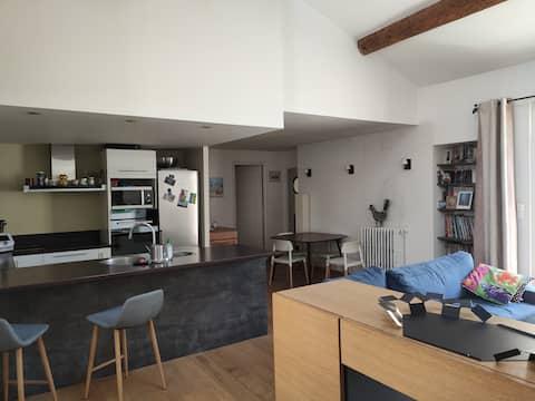 Nîmes centre- maison carrée, bel appart 3 ch 90m2