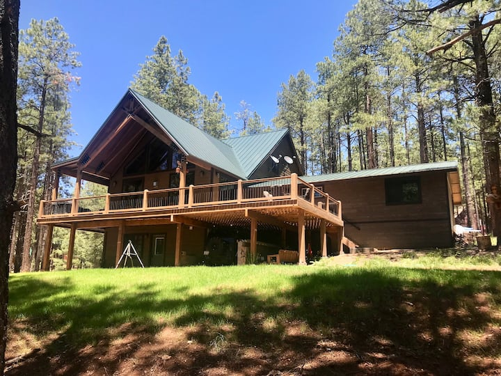 Forest Lakes Mountain Getaway