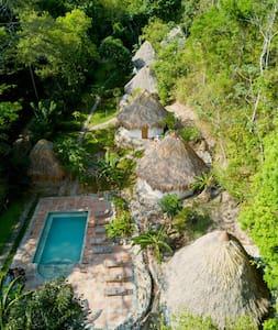King size Cabaña in eco-resort Carpe Diem
