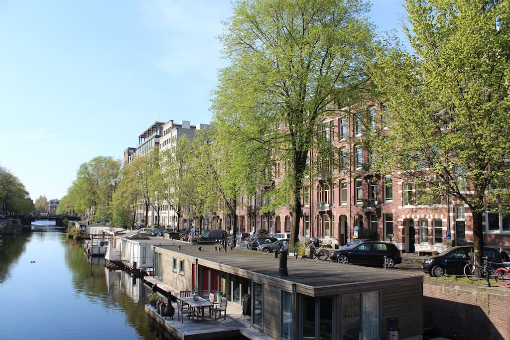 The Da Costakade, one of Amsterdam's most characteristic canals