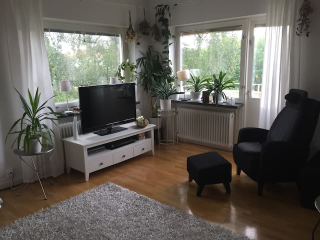 Cozy apartment close to biathlon and cross country ski stadium - Östersund
