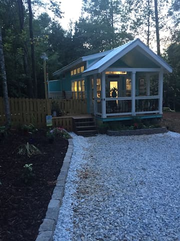 Go ahead and admit it. You've been wondering how much fun it would be to live in a beautiful tiny house. It's nestled in the woods but only 10 minutes to Tigertown and 13 minutes to Jordan Hare.