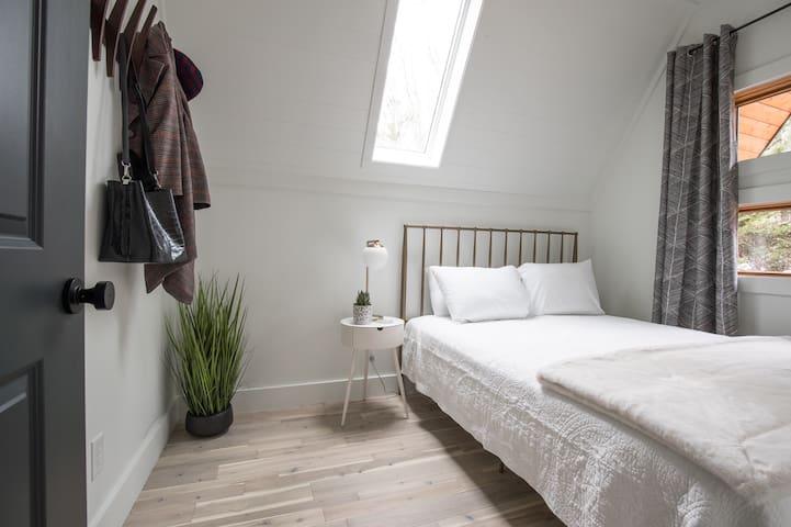 Bedroom 3 (main floor)