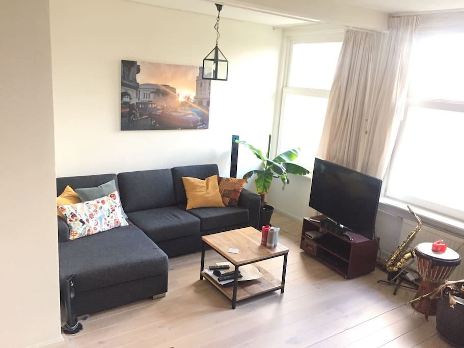 livingroom with my new chill sofa