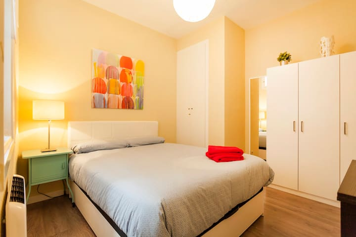 INSIDE CHUECA SQUARE! STYLE IN MADRID DOWNTOWN - Madri - Apartamento