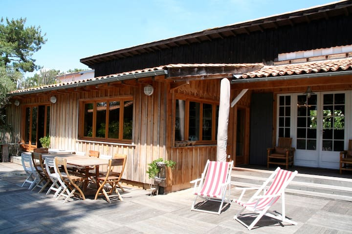 Idyllic wooden house in the heart of Cap Ferret - Lège-Cap-Ferret - House