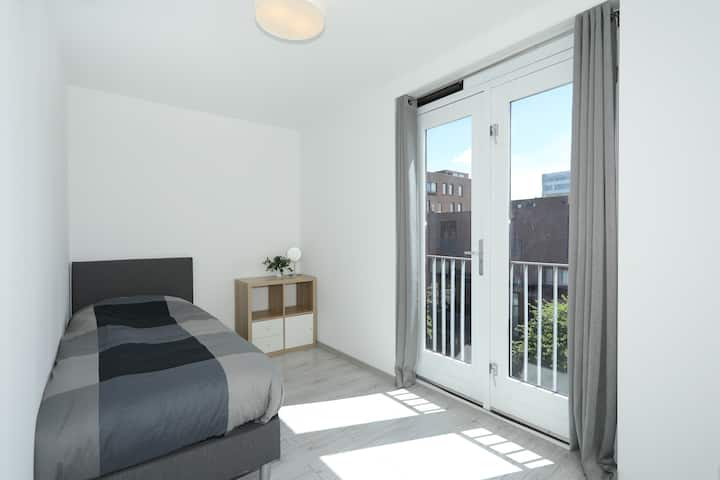Bright Private Room near CAE Amsterdam & Schiphol