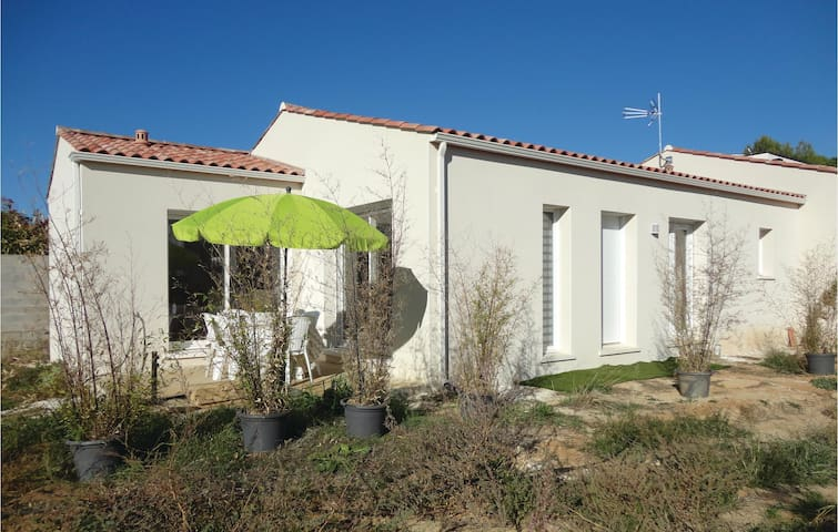 Semi-Detached with 3 bedrooms on 105 m² in Lignan sur Orb