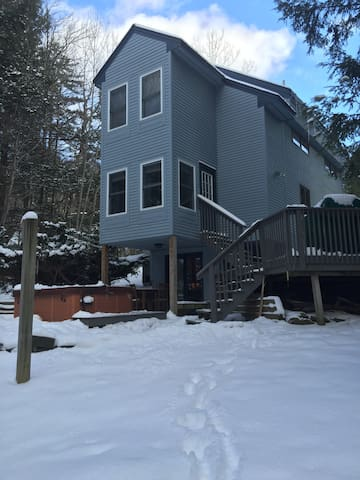 Killington-Tri-level home-sleeps 6-8.