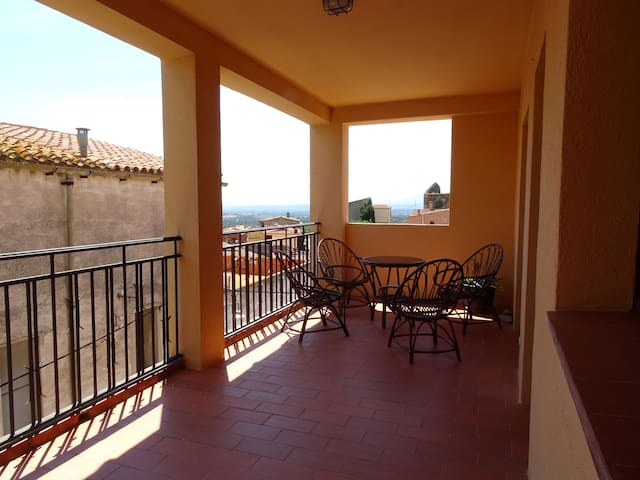 Holiday cottage, 16 km from beaches of Llançà.