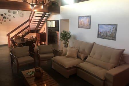 Aconchegante casa no Boqueirão a 300m da praia