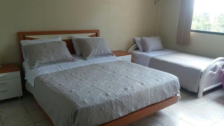 Acogedora y cómoda habitación