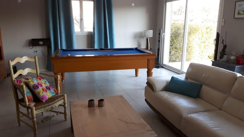 Maison avec piscine proche Avignon - Jonquerettes - บ้าน