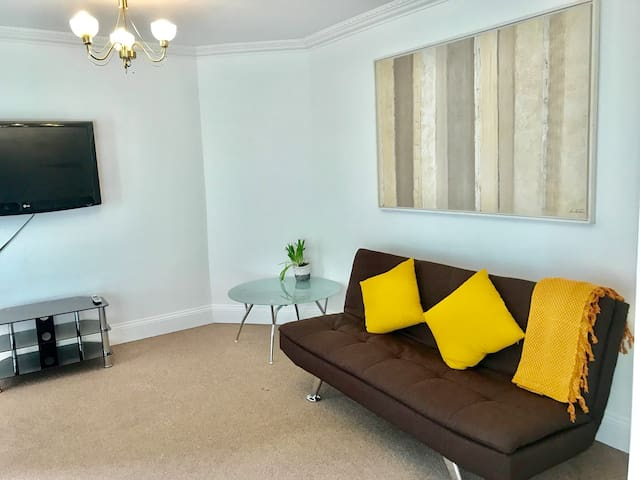 Bank Station apartment 1 min walking