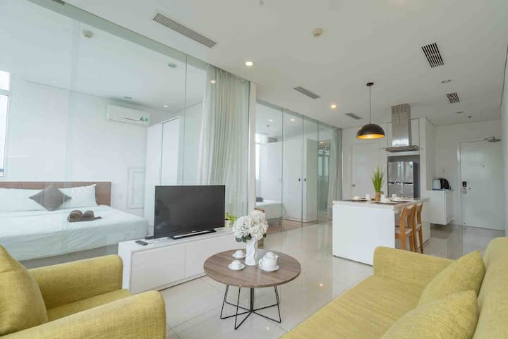 BRAND NEW Luxury 3BRS Family Apt BenThanh Tower D1