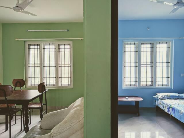 Fully furnished 2 Bhk near lakeshore hospital
