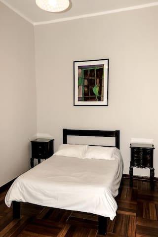 Habitación privada doble con baño externo