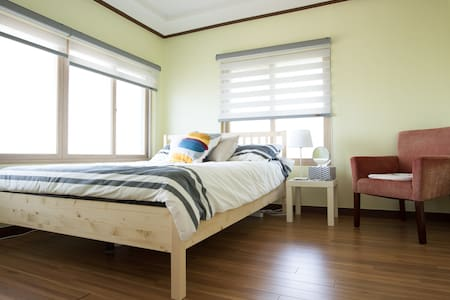 [Jejuharu] Queenbed room for two persons - House