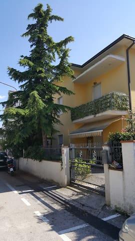 Nuovo appartamento per famiglie a 5 min dal mare - Roseto degli Abruzzi - Apartment