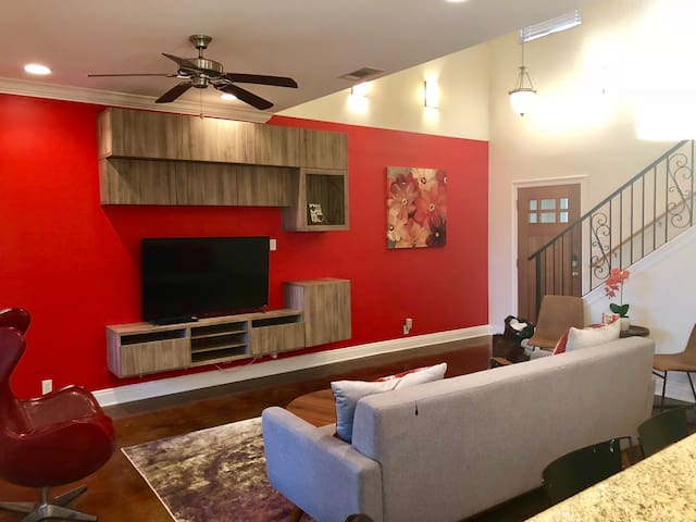 Gated Spacious Modern Condo minutes away from LSU.