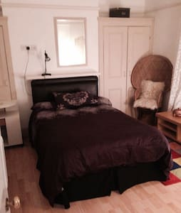 double room large victorian house - Casa