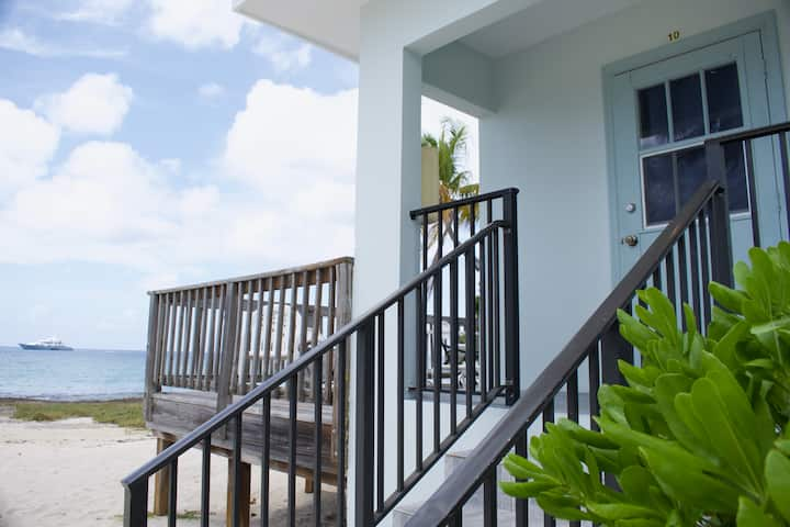 Ocean View Deluxe Studio - with private deck