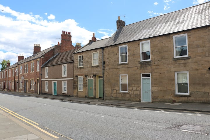 Two bedroom cottage in Morpeth town centre
