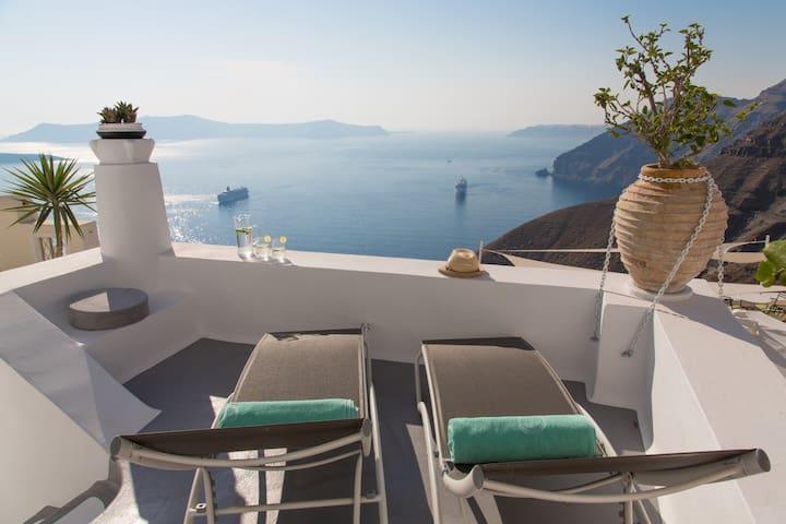 Three bedroom Villa with 2 Jacuzzi - Thera - Villa