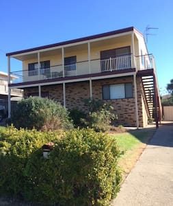 Large 2 Storey Holiday House - Tuross Head - Casa