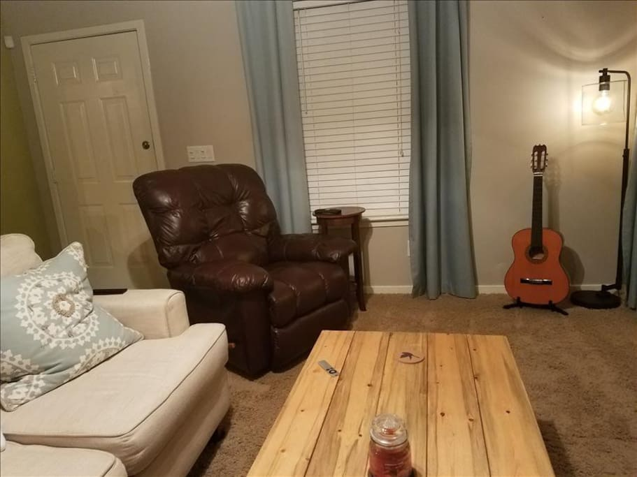 Clean space to relax, Charleston Vacation Rental